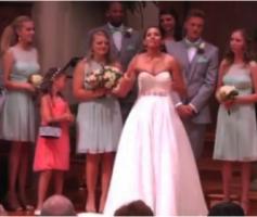 No Dia Do Casamento Ela Abandonou O Noivo No Altar, Mas Quando Contou O Real Motivo, Todos Choraram