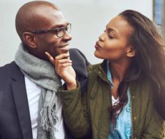 11 erros que você precisa abandonar se quiser 'dar sorte' no amor.